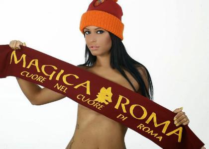 roma fan girl